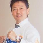 松山ホームジャパン有限会社 代表取締役 上杉哲也さん 「仕事テンポの良さ、敏捷性といい、フットワークといい、流石サッカー選手!毎回、エースストライカーとして素晴らしい提案を期待しております!!」